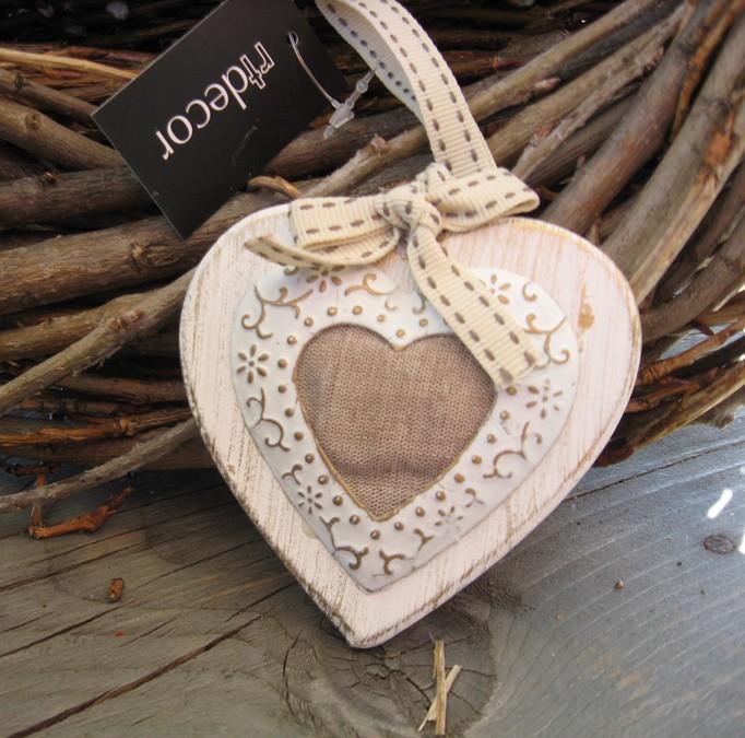 Textil szív díszes szalaggal