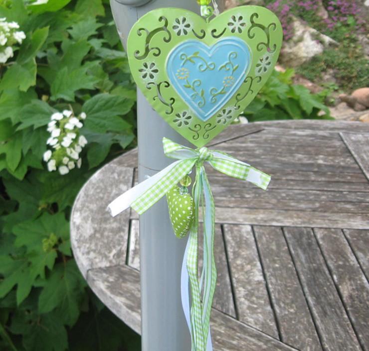 Virágmintás, áttört dekor szív