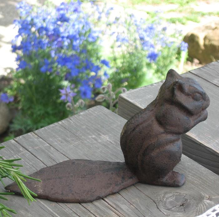 Ajtókitámasztó mókus