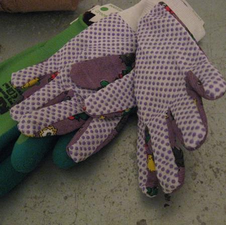 Kerti gyerekkesztyű lila mintás