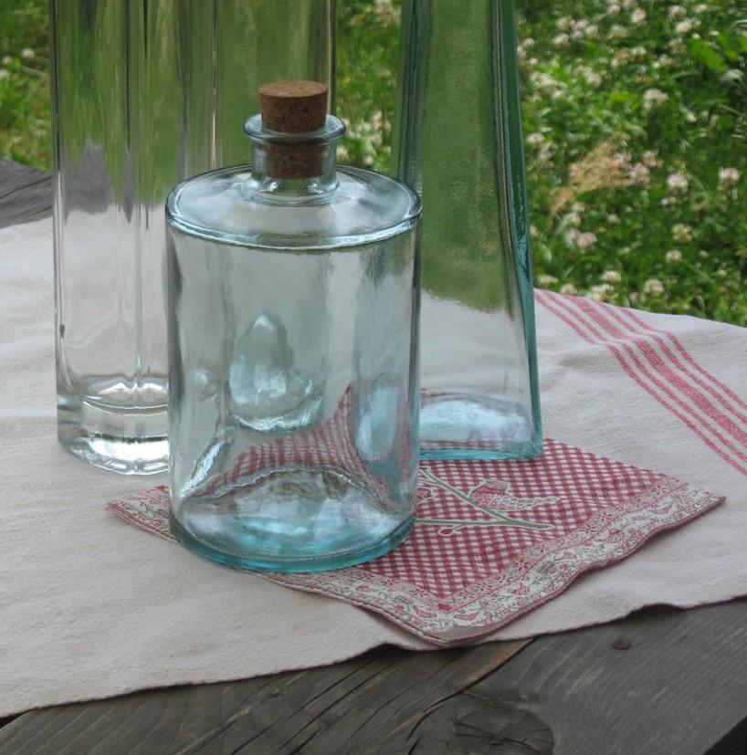 Üveg, parafadugóval